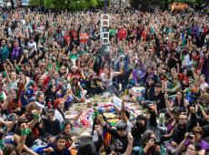 Violência machista impulsiona luta de mais de 200 mil mulheres na Argentina