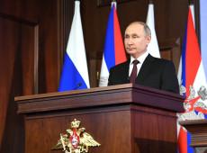 """Em tom de advertência, Putin acusa líder opositor Navalny de ser """"instrumento da CIA"""""""