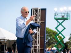 """""""América está de vuelta"""": Biden inaugura lema de su política exterior con bombardeo a Siria"""