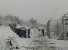 Refugiados e migrantes estão morrendo com temperaturas congelantes na Europa, alerta agência da ONU
