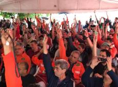 Com adesão em 13 estados do país e 102 unidades, greve dos petroleiros ganha força
