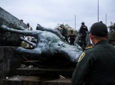 """""""Símbolo de resistência"""": Colombianos substituem estátua de colonizador por homenagem a ativista morto pela polícia"""