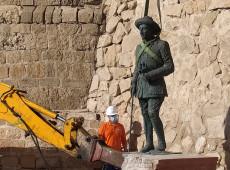 Última estátua de Franco em solo espanhol é removida