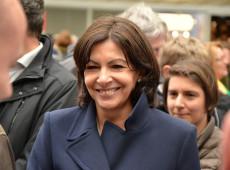 Socialista Anne Hidalgo é reeleita prefeita de Paris com cerca de 50% dos votos