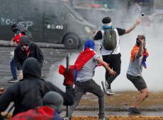 Novos protestos contra o governo são reprimidos com violência pela polícia no Chile
