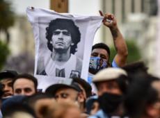 Luto mundial por Maradona reflete importância que o futebol tem para a periferia
