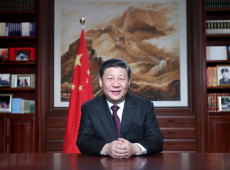 China toma medidas enérgicas em relação à educação, saúde e habitação para evitar crise