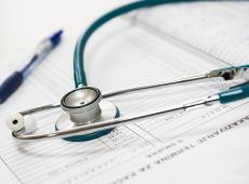 SUS ou $us? Bolivianos anseiam por melhorias no sistema de saúde