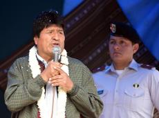 Após motim policial, Evo denuncia golpe e convoca população para defender democracia