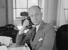 Hoje na História: 1940 - Diplomata norte-americano visita Londres após negociar paz com Hitler