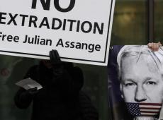 Personalidades alemãs pedem libertação de Assange
