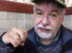 """Morre, de Covid o escritor e sociólogo boliviano Juan Quintanilla: """"lutador implacável"""""""