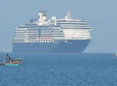 Cruzeiro com 2 mil a bordo atraca no Camboja após ser rejeitado por cinco portos