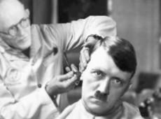 """Lições da história: """"a democracia deve ser destruída por suas próprias forças"""", Adolf Hitler"""