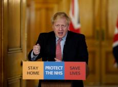 Com coronavírus, premiê britânico Boris Johnson deixa UTI, mas continua internado