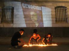 Covid-19: ato em Buenos Aires repudia gestão brasileira pelas 250 mil mortes