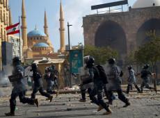 Manifestantes invadem ministério no Líbano