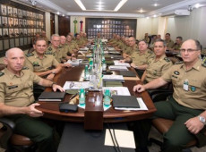 Exército gasta com cerveja, em um pregão, o suficiente para bancar um soldado por 10 anos