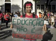 """""""Pacote de maldades"""": Oposição pressiona Senado contra PEC que afeta saúde e educação"""