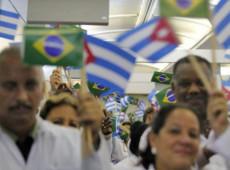 Médicos cubanos fazem falta no combate ao novo coronavírus, diz Washington Post