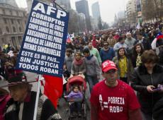 Especuladores e psicopatas: neoliberalismo fez do Chile rico um Estado pobre