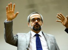 """Após """"passagem contraditória"""", Weintraub anuncia saída do Ministério da Educação"""