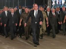 Bolsonaro trouxe com ele a ditadura ignorando que, na hierarquia, quem manda é general