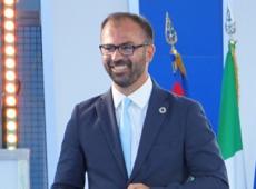 Itália: Ministro da Educação pede demissão por falta de recursos para escolas