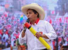 Pedro Castillo é oficialmente declarado presidente eleito do Peru