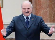 Há 25 anos no poder, Aleksandr Lukashenko comemora reeleição na Bielorrússia